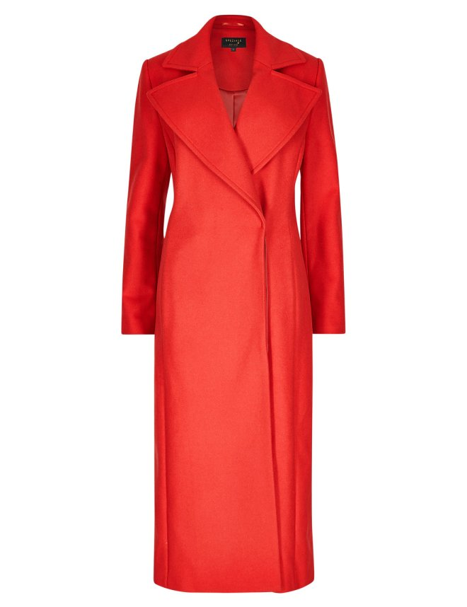 This M&S wool and cashmere bled coat was one of the biggest show stoppers of the night. The vibrant red and belt detailing make for an amazing stand out piece.