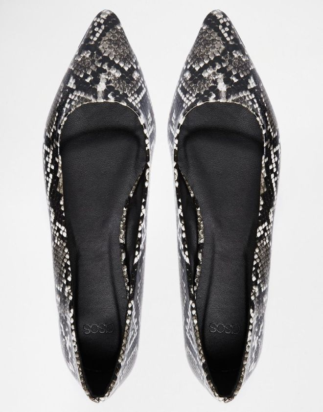 I love love love these little snakeskin print flats from ASOS. An absolute steal at £14.99 .