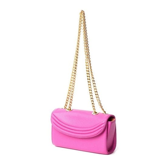 Lauren Cecchi New York is one of my most lusted after handbag brands. Their 'Sorella' design is my absolute favourite and is high up on my wish list. I'm torn between this gorgeous Hibiscus pink and the softer, powder pink version. Decisions, decisions!